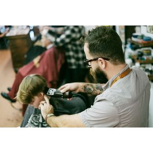 barbershop-barber-man-hair-salon